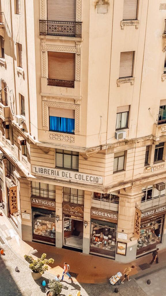 Librería de Avila,declarada de Interés Cultural de la Ciudad y Monumento Histórico Nacional por decreto presidencial.