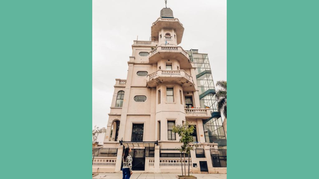 PALACIO DE LOS BICHOS EN VILLA DEL PARQUE