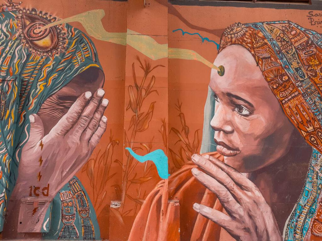 Artistas: Sebastián Malegría & Sasha Primo - Mujeres de india. Mercado de pulgas de Buenos Aires