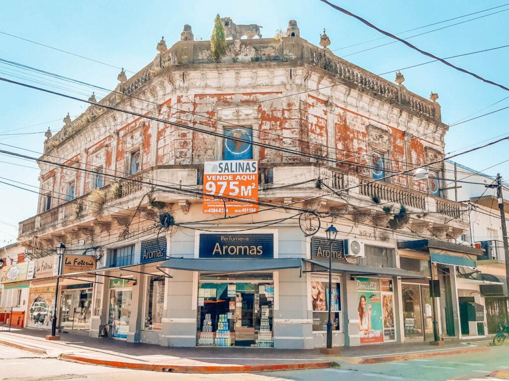 """Antigua Tienda """"El León"""""""